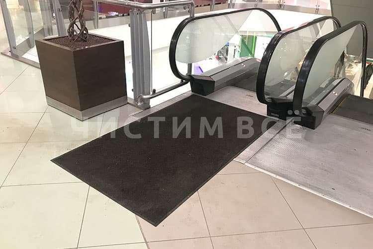 Основные особенности грязезащитных ковров