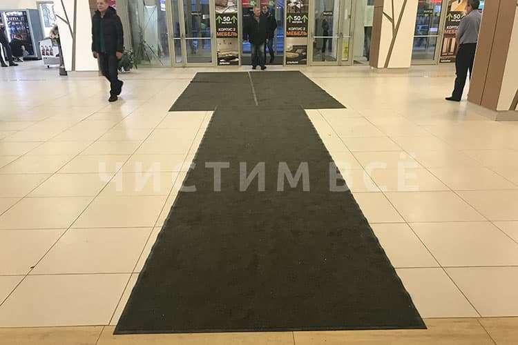 Для чего в вестибюлях нужны грязезащитные коврики