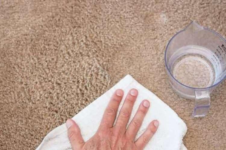 Как убрать неприятный запах после химчистки/стирки ковра?