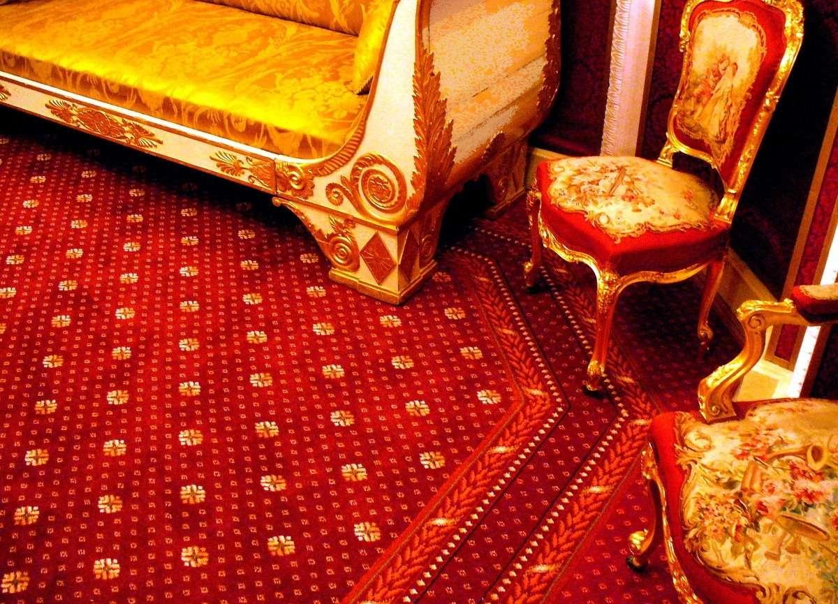 Химчистка ковровых дорожек в Малом Театре