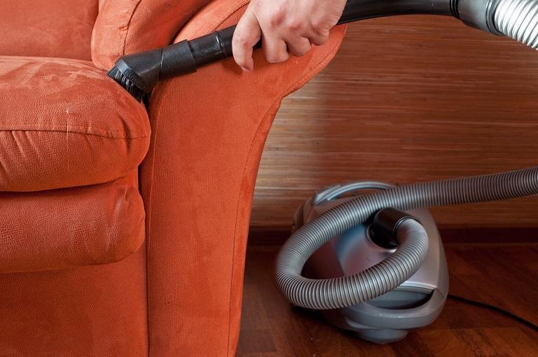 Чем почистить мебель в домашних условиях