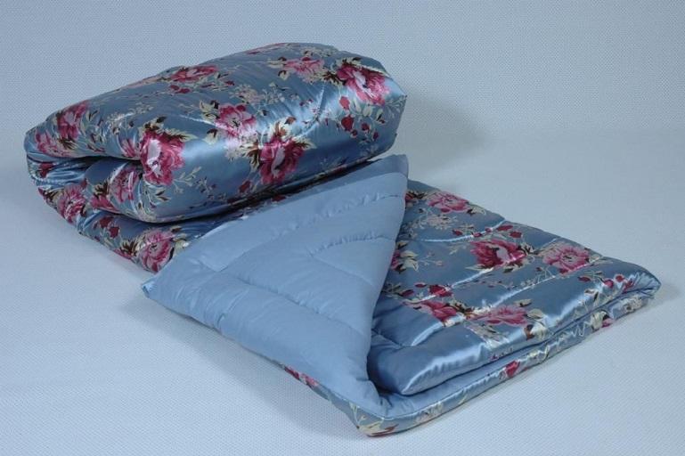 Чистка двуспального ватного одеяла с запахом сырости